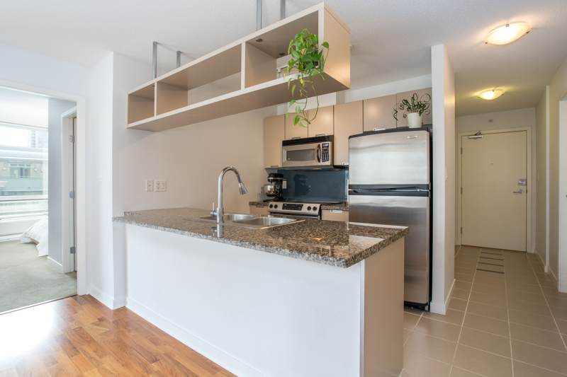 Downtown Condo for sale:  2 bedroom 888 sq.ft. (Listed 2018-09-04)
