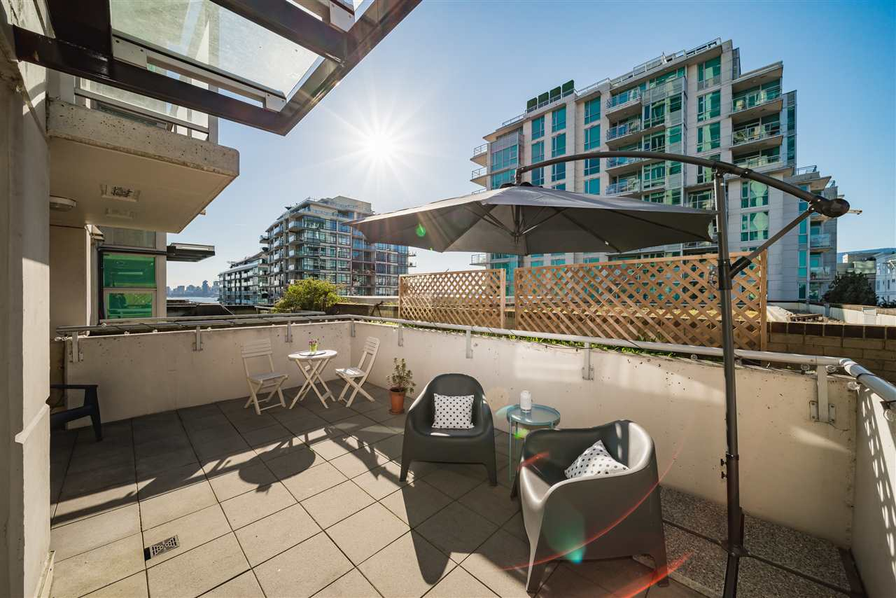 Lower Lonsdale Condo for sale:  1 bedroom 738 sq.ft. (Listed 2019-04-09)