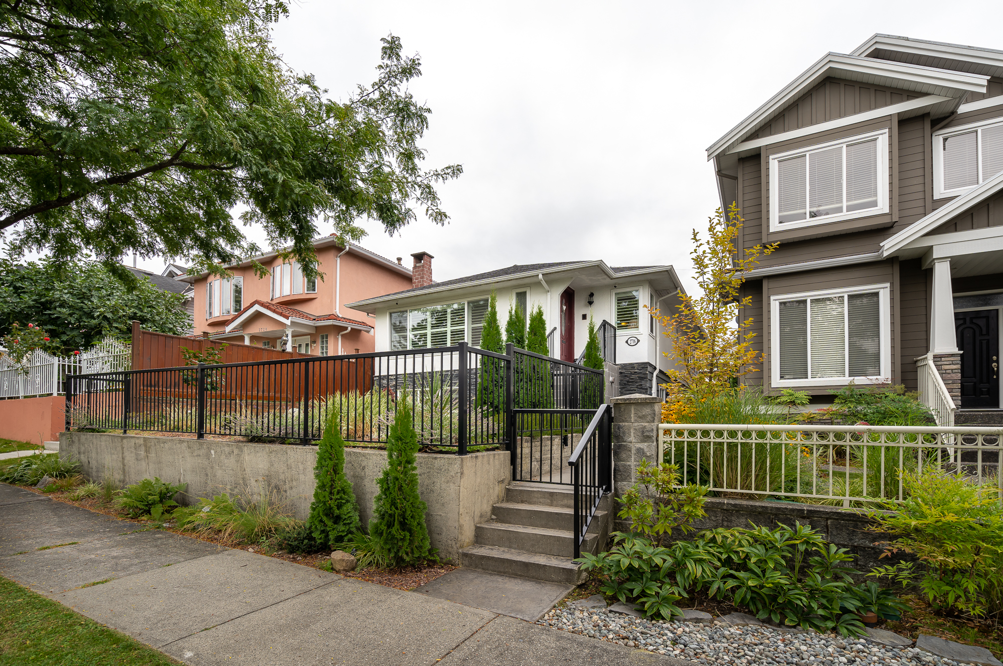 Vancouver House for sale:  5 bedroom 2,337 sq.ft. (Listed 2019-08-27)