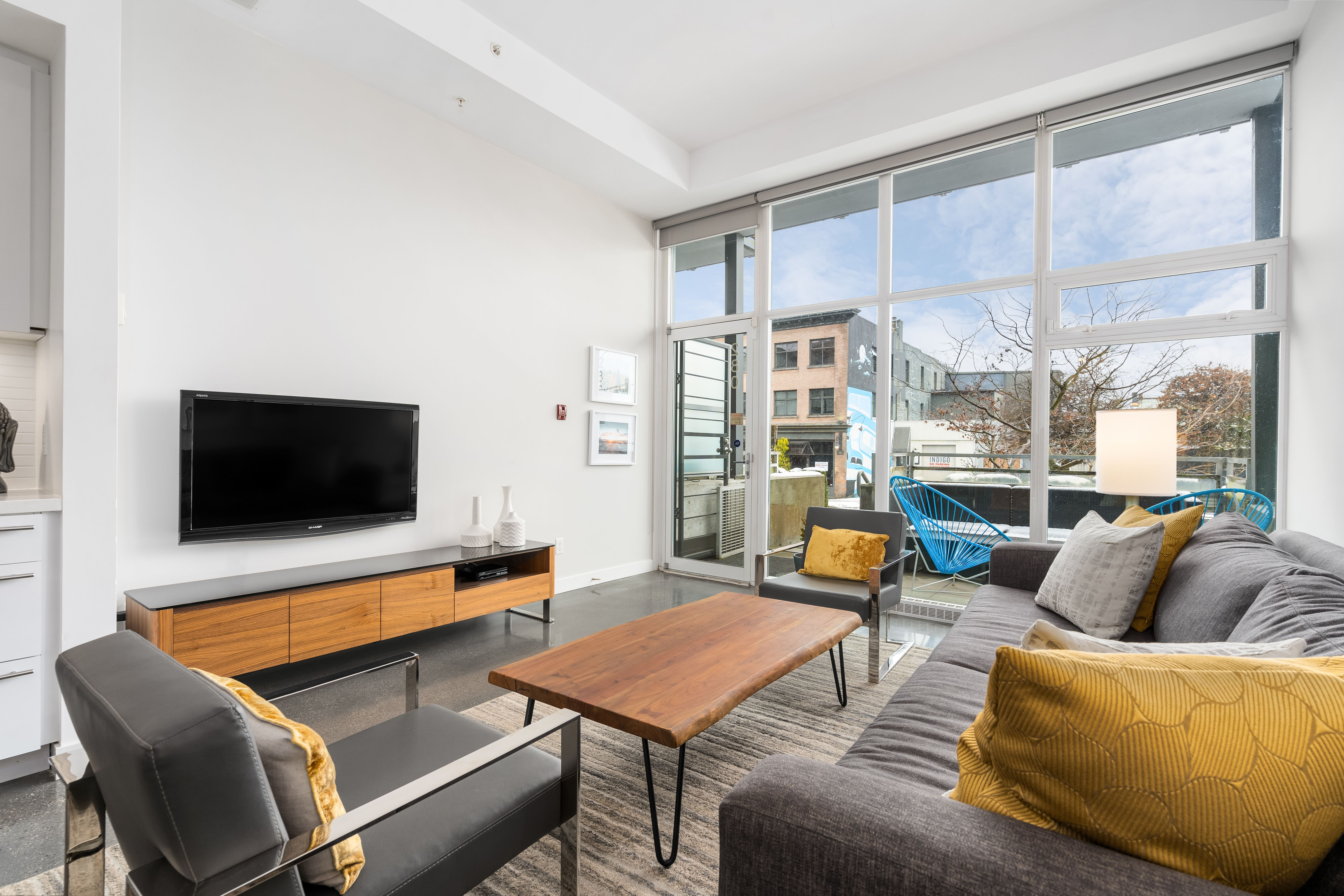 Vancouver Townhouse for sale:  1 bedroom 815 sq.ft. (Listed 2020-12-25)