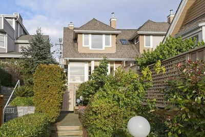 Central Lonsdale Townhouse for sale: 3 bedroom 1,659 sq.ft. (Listed 2020-02-27)