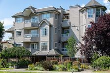 Grandview Woodland Apartment for sale:  2 bedroom 760 sq.ft. (Listed 2020-07-23)