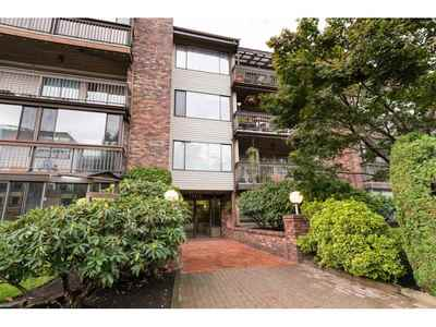 Whalley Condo for sale: 2 bedroom 903 sq.ft.
