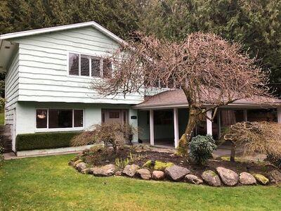 Caufield  House:  3 bedroom  Stainless Steel Appliances, Granite Countertop, Hardwood Floors, Plush Carpet