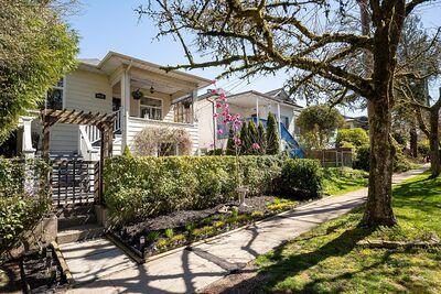 Vancouver East  House for sale:  Studio  Stainless Steel Appliances, Tile Backsplash, Rain Shower, Glass Shower, Laminate Floors 2,003 sq.ft. (Listed 2021-04-15)