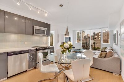 Mid Town Apartment for sale: The Rolston 2 bedroom 710 sq.ft. (Listed 2020-09-22)
