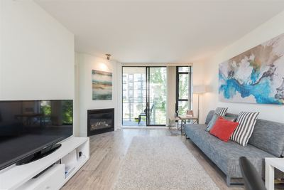 Lower Lonsdale Condo for sale:  1 bedroom 732 sq.ft. (Listed 2016-05-19)