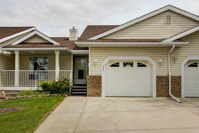 MacEwan Glen Townhouse for sale:  2 bedroom 923 sq.ft. (Listed 2019-07-19)