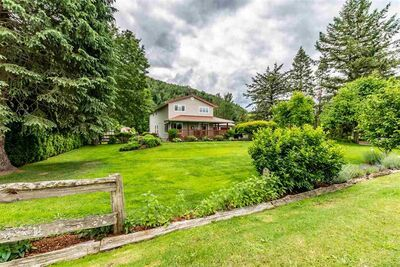 Yarrow House with Acreage for sale:  3 bedroom 2,282 sq.ft. (Listed 2020-06-16)