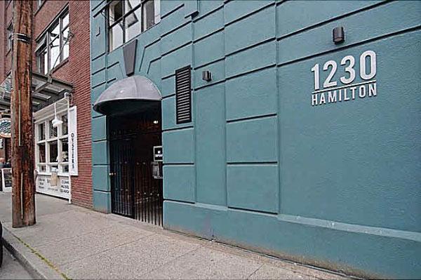1230-HAMILTONd.jpg