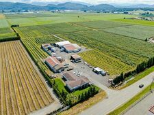 Matsqui House with Acreage for sale:  5 bedroom 2,074 sq.ft. (Listed 2020-10-24)