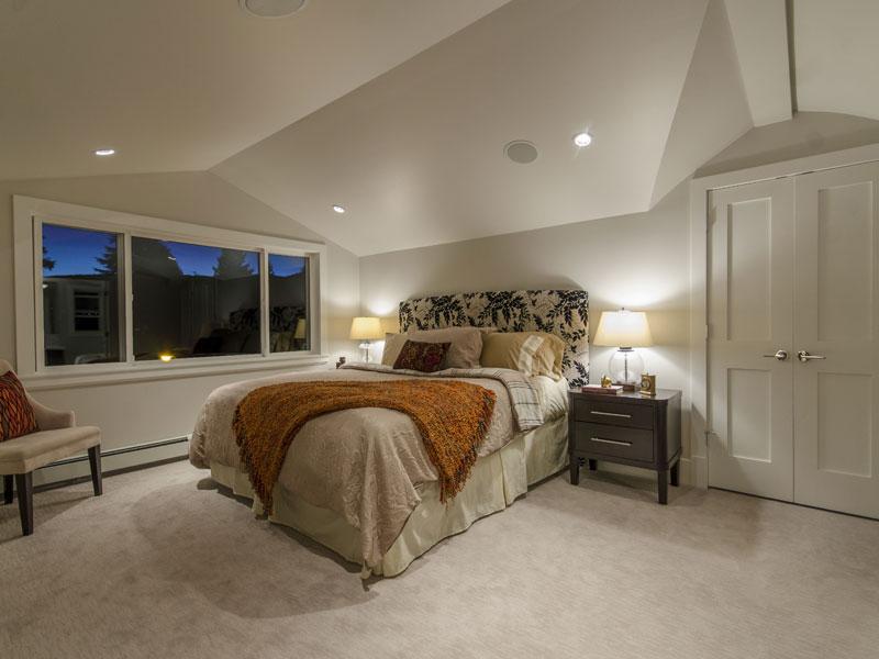 Redonda Bedroom