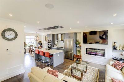 Sunnyside Park Surrey Townhouse for sale:  3 bedroom 1,630 sq.ft. (Listed 2018-04-12)