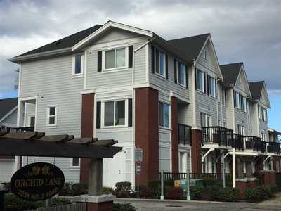 Granville Townhouse for sale:  3 bedroom 1,298 sq.ft. (Listed 2019-01-08)