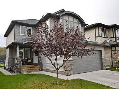 Beautiful Air Conditioned Family Home!!