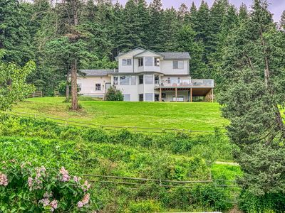 Williams Lake House with Acreage for sale:  6 bedroom 3,790 sq.ft. (Listed 2020-06-21)