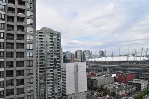 Yaletown Park 3 Condo view of BC Place