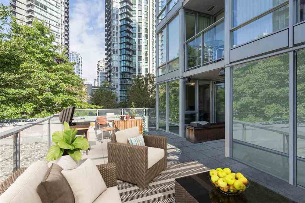 Rooftop Patio on Richards Street Condo
