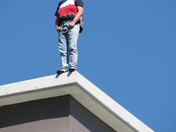 Sac Downtown:Woman threatening to jump - Photo By Michael Cheng