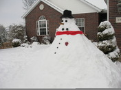 Big Snowman Spotted in Cave Springs