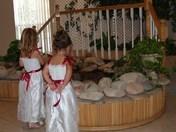 flower girls praying