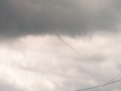 Weather (funnel cloud) in cut off la