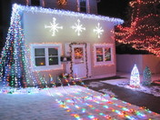 Saunders Christmas Light show
