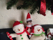 Elfie and the singing snowmen