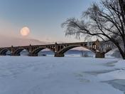 Susquehanna Moonset