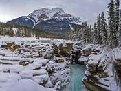 athabasca waterfall