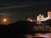 Nubble  Light, lit up !
