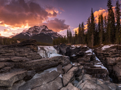 Athabasca Falls / Mount Kerkeslin