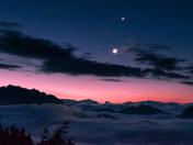 Sunrise on top of Golden Ears Mountain