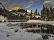 Setting sun at Emerald Lake Lodge
