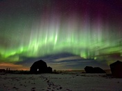 Aurora curtain over the barn