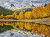 Kananaskis Wedge Pond fall colours