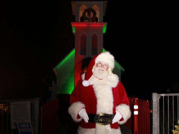 Santa heading over to the tree lighting ceremony