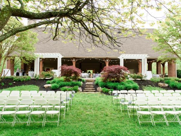 Outdoor ceremony at Smithview Pavilion