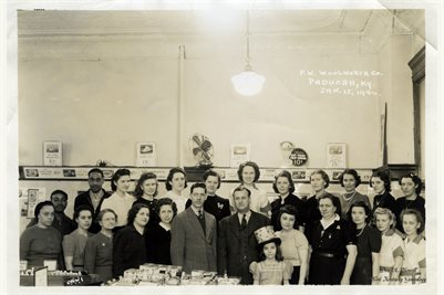 WOOLWORTH COMPANY, PADUCAH, KENTUCKY  JAN. 15, 1942