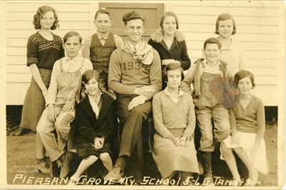 1932 PLEASANT GROVE SCHOOL, GRADES 5-6, MARSHALL COUNTY, KENTUCKY