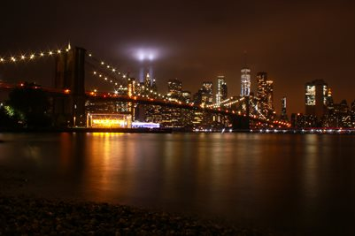 Brooklyn Bridge , WTC Tribute lights