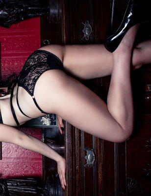 Dani Divine Two Poster Pack - Busty UK Vampire Burlesque Dancer & Fetish Model | Bad Girls Club