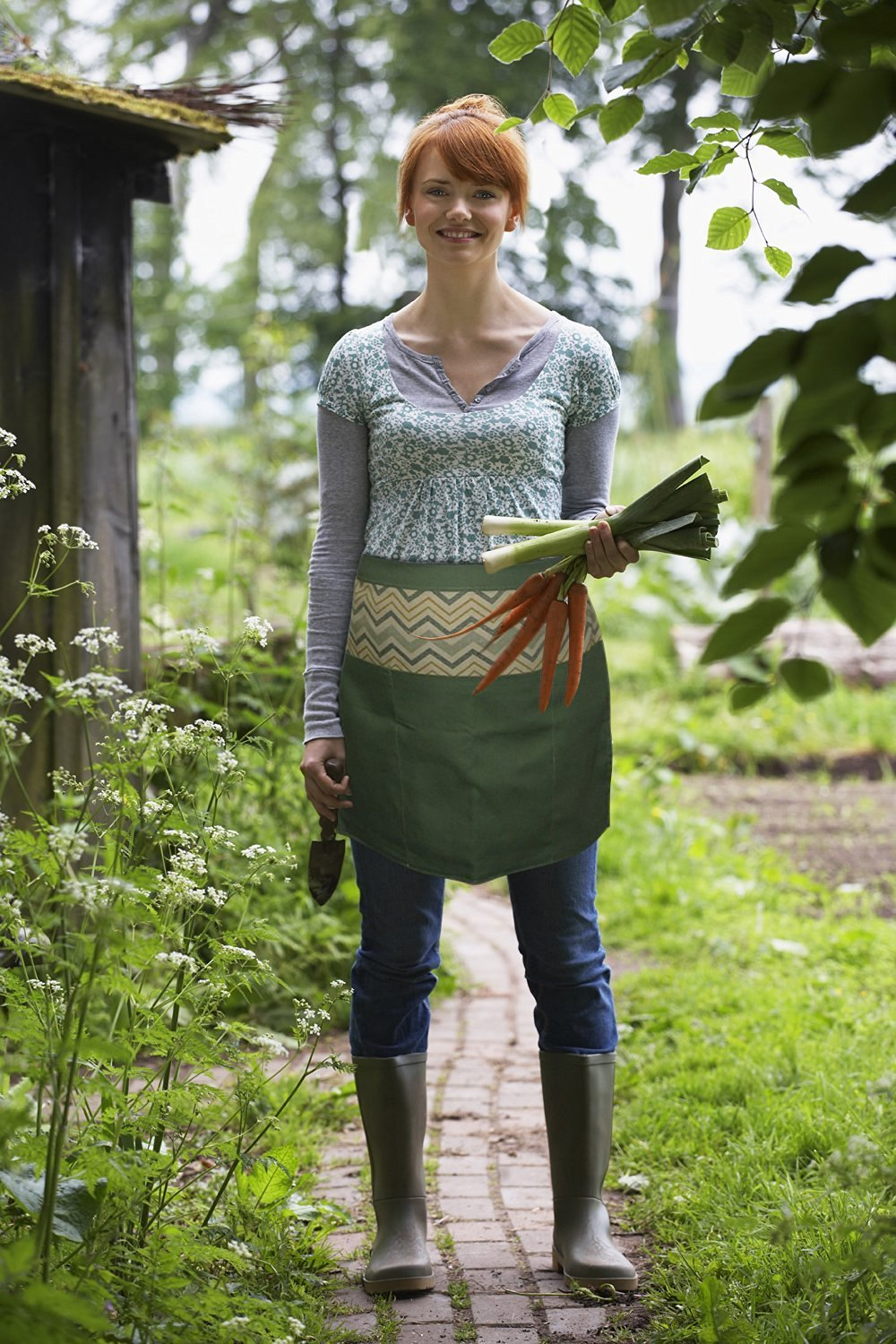 New Handmade Garden Apron with Pockets Now Available with Bonus