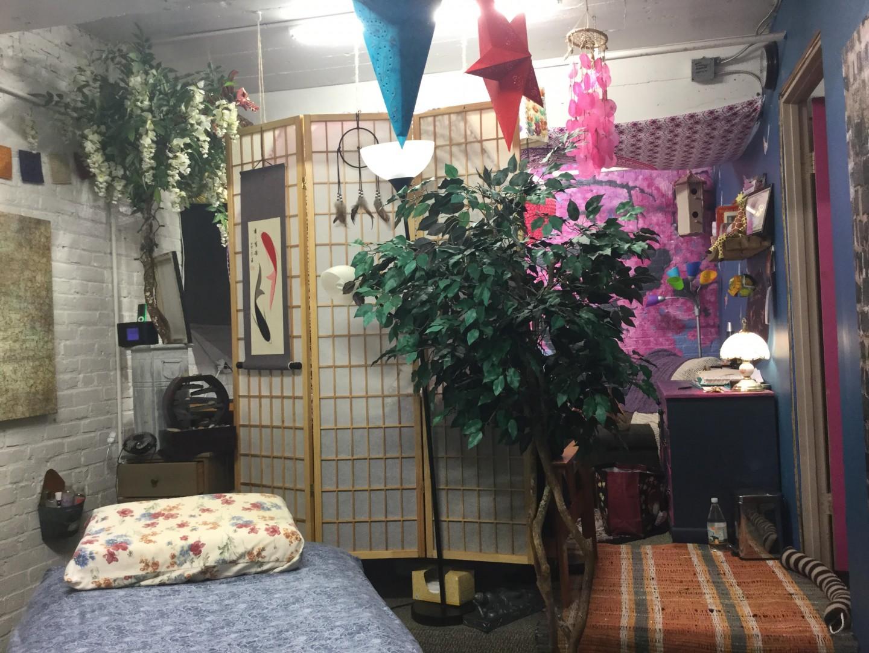 Pura Vida Acupuncture and Yoga offers safe, effective Acupuncture, Oriental Medicine, Yoga in Portland, Maine