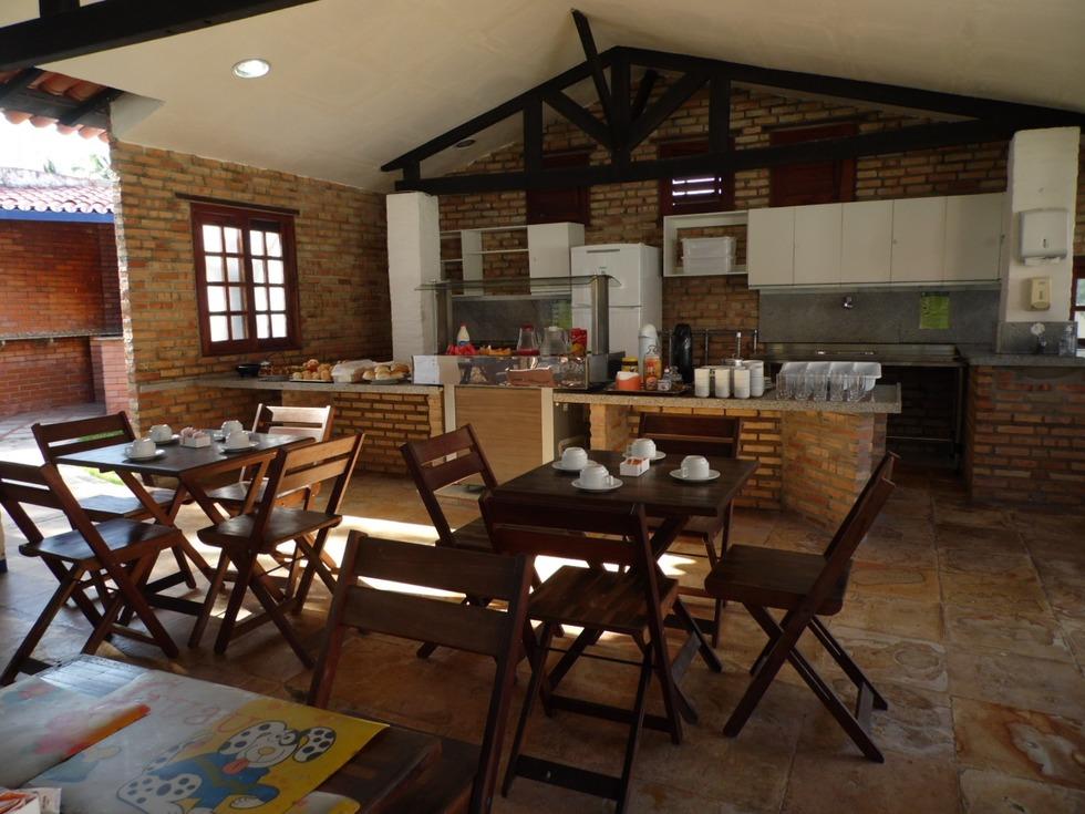 Espaço para refeições do Hotel Praia do Futuro