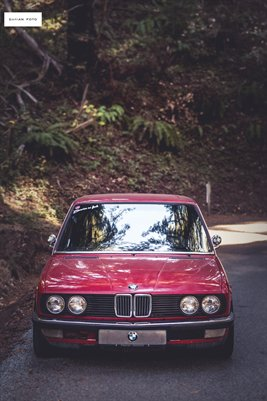 Zinnoberrot BMW E28 535i #1