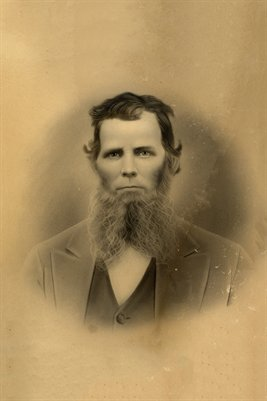 UNKNOWN MAN, found in Benton, Marshall County, Kentucky