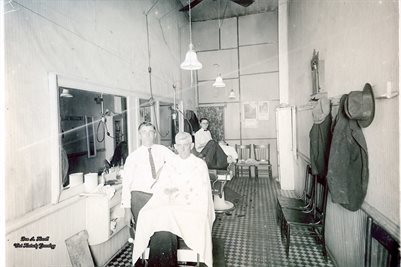 1920, RANDLE WATTS BARBER SHOP, MAYFIELD, KENTUCKY