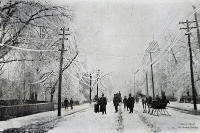 1902 ICE STORM, BROADWAY, LOOKING EAST FROM SEVENTH STREET PADUCAH, KENTUCKY