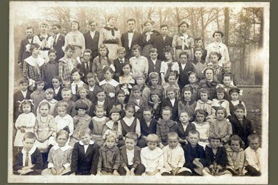 abt 1918 Darnall School, Marshall County, Kentucky